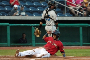 Robelys Reyes State College Spikes NYPL Playoffs